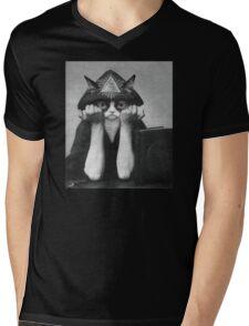 Crowley Cat Mens V-Neck T-Shirt