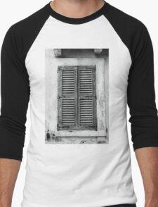 Shuttered and locked Men's Baseball ¾ T-Shirt