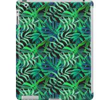 Endor jungle green leaves pattern iPad Case/Skin