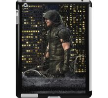 Green Arrow under the rain iPad Case/Skin