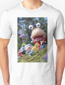 pikmin olamar and co T-Shirt