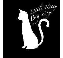 'Little kitty, big city' vector Photographic Print