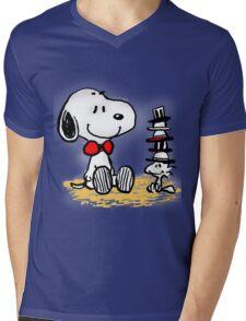 Snoopy New Friend Mens V-Neck T-Shirt