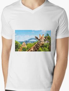Girraffe with Sydney Harbour Bridge in background Mens V-Neck T-Shirt