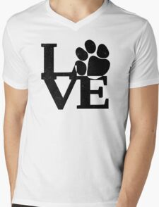 doggy love. T-Shirt