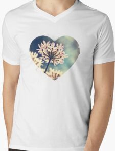 Queen Annes Lace flowers Mens V-Neck T-Shirt
