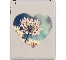 Queen Annes Lace flowers iPad Case/Skin