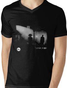 the exorcist Mens V-Neck T-Shirt