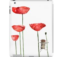 Little mouse loves big poppies iPad Case/Skin