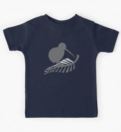Kiwi Bird and a Silver fern New Zealand  Kids Tee