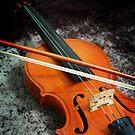 Violin and bow by nksran