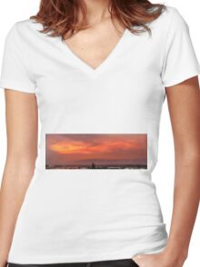 Flaming Sky Women's Fitted V-Neck T-Shirt