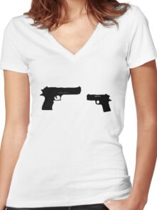 Snatch : Replica vs Desert Eagle .50 Women's Fitted V-Neck T-Shirt