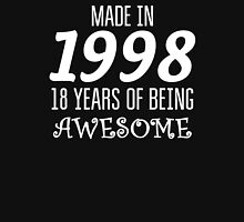 Made in 1998 - 18 Years of being Awesome Birthday Gift T-Shirt