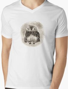 Little Owl Sitting In a Hollow Mens V-Neck T-Shirt