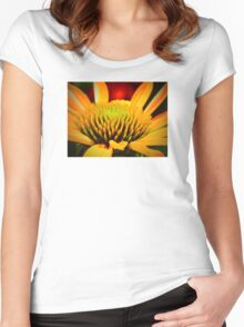 Macro Cone Flower Women's Fitted Scoop T-Shirt