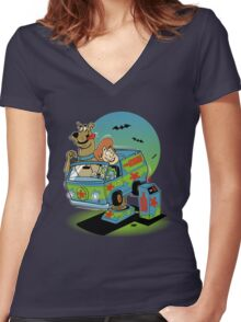 THE MYSTERY MACHINE Women's Fitted V-Neck T-Shirt