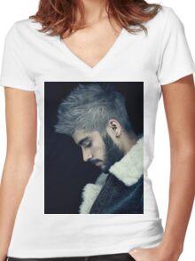 zayn Women's Fitted V-Neck T-Shirt
