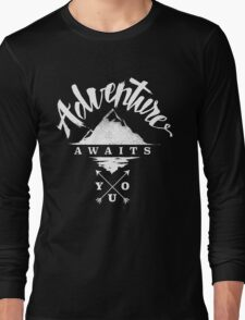 Adventure Awaits You - Cool Outdoor Shirt-Design Long Sleeve T-Shirt