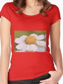 Close-up Daisy Women's Fitted Scoop T-Shirt