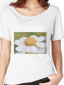 Close-up Daisy Women's Relaxed Fit T-Shirt