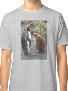 King Penguin and chick ~ Meal Time Classic T-Shirt