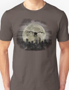 Ryuk & the Moon, fly by night, under darck city T-Shirt