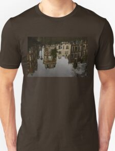 Amsterdam - Moody Canal Reflections in the Rain Unisex T-Shirt