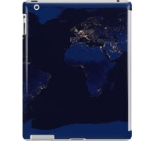Flat map of Earth showing city lights of the world at night.      iPad Case/Skin