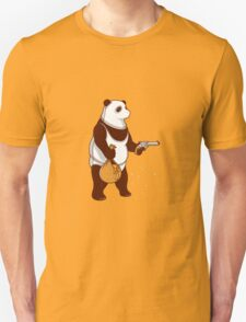 honey bear raiding a bee Unisex T-Shirt