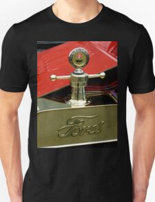 """A 1915 Model T ~ """"Motometer""""  which is a ~ Hood Ornament ~ Radiator Cap ~Temperature Gauge~ Unisex T-Shirt"""