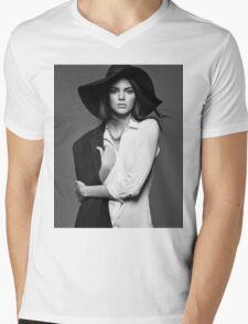 Kendall Jenner - BW Mens V-Neck T-Shirt