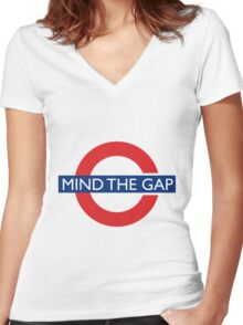 Mind the gap Women's Fitted V-Neck T-Shirt