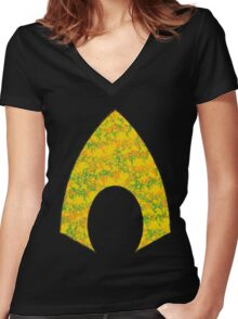 Aquaman - DC Spray Paint Women's Fitted V-Neck T-Shirt