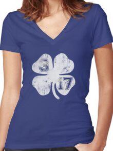 St Patricks Day 3/17 Shamrock Vintage Fade Women's Fitted V-Neck T-Shirt