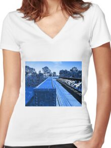 Capricornia - Gavial Way in Blue Women's Fitted V-Neck T-Shirt