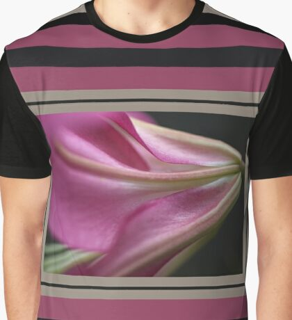 Side Of Lily Graphic T-Shirt