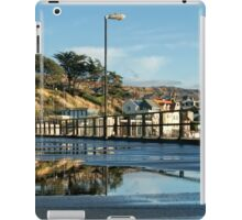 Puddle Reflections - Langmoor-Lister Gardens iPad Case/Skin