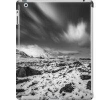 Llyn Idwal Monochrome Sky  iPad Case/Skin