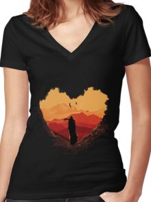 FINDING DRAGON Women's Fitted V-Neck T-Shirt