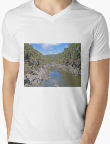 Cataract Gorge, Launceston Mens V-Neck T-Shirt