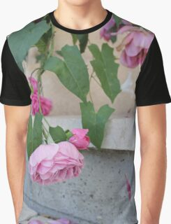 Pink roses photograph Graphic T-Shirt
