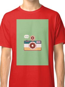 say hello to camera Classic T-Shirt