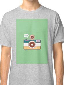 say hello to camera Classic T-Shirt