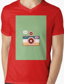say hello to camera Mens V-Neck T-Shirt