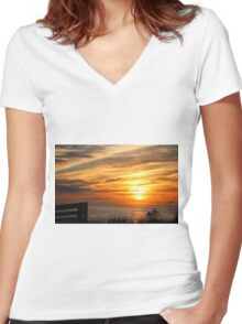 Sunset Over The Sea Women's Fitted V-Neck T-Shirt