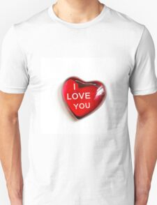 valentine red heart isolated on white T-Shirt