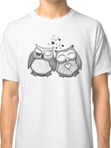 Cute black and white owl couple Classic T-Shirt