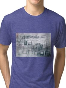Urban-Art LONDON Houses of Parliament and Red Buses I Tri-blend T-Shirt