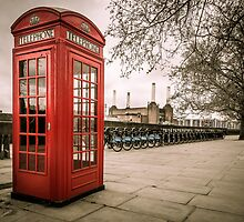 Battersea Phone Box by Matt Malloy